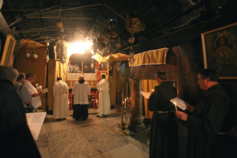 Служба в Пещере Рождества