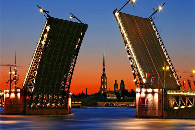 Разведение мостов в Петербурге