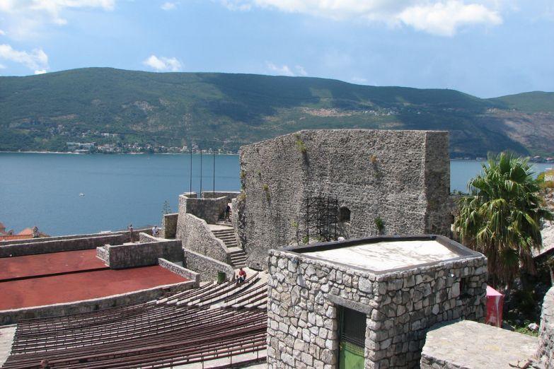 Крепость Канли Кула