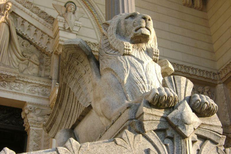 Лев – символ Лиона