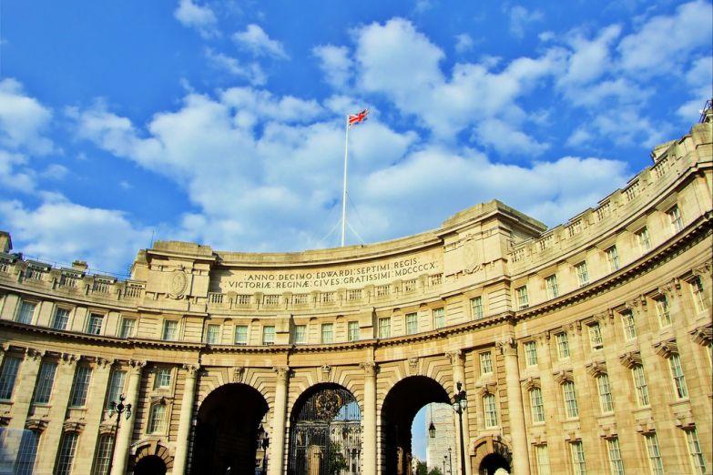 Адмиралтейская арка