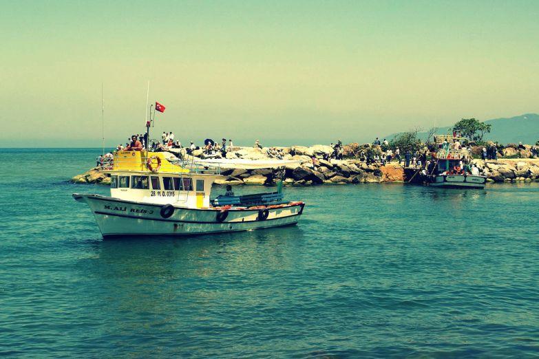 Корабль в гавани Анталии