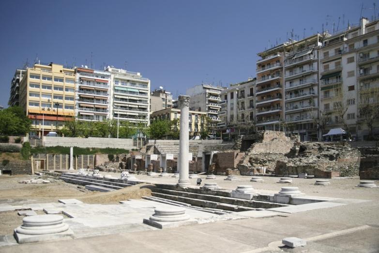 Греческая агора и римский форум