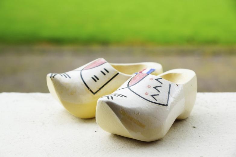 Кломпы - традиционный сувенир