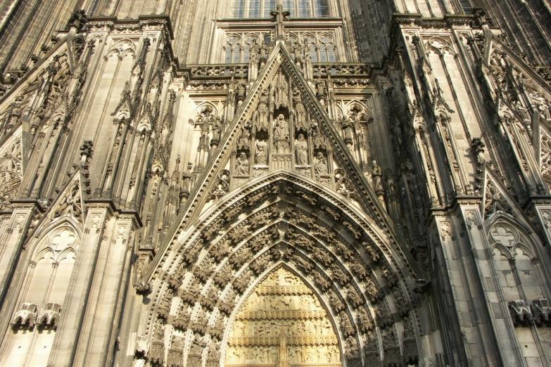 Портал Кельнского кафедрального собора