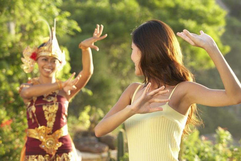 Традиционные танцы Индонези