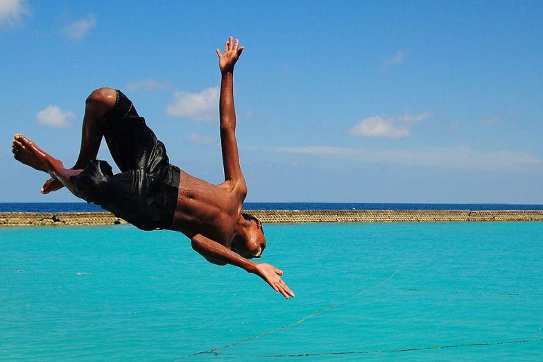 Для мальдивцев вода - родная стихия