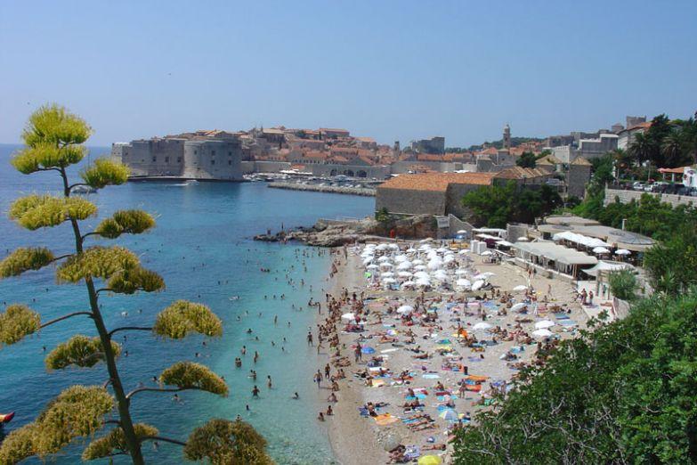 Вид на Дубровник с побережья