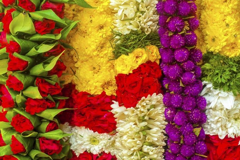 Индийские гирлянды из цветов