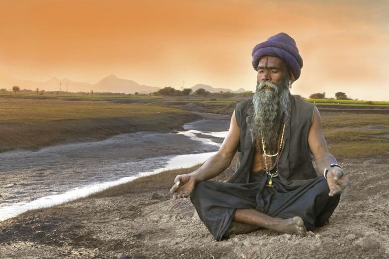 Медитирующий садху