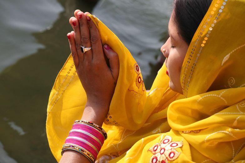 Ритуальное омовение в водах Ганги