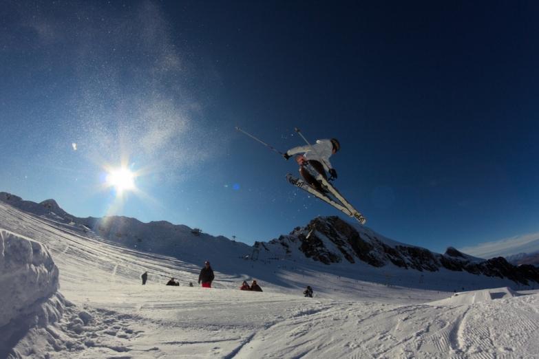 Экстремальный спуск на лыжах