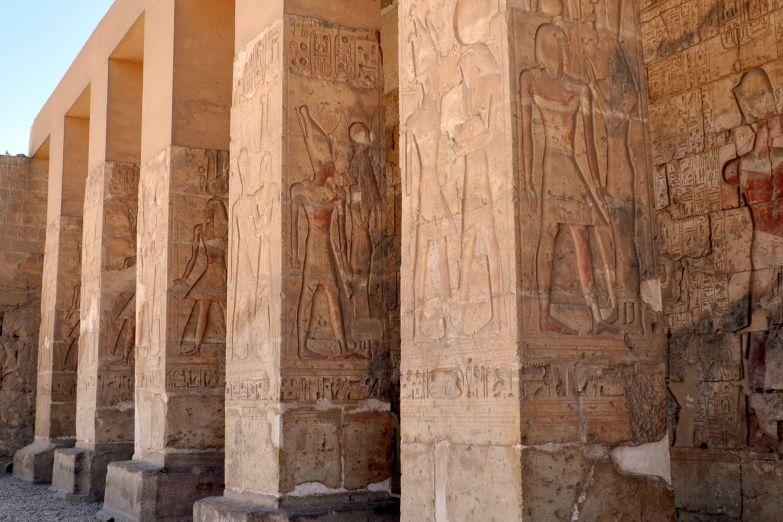 Фасад храма Хатшепсут