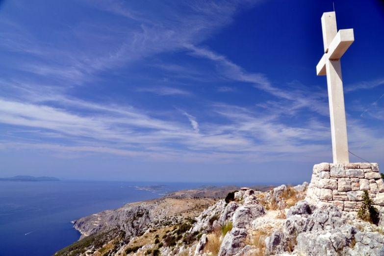 Крест на острове Хвар