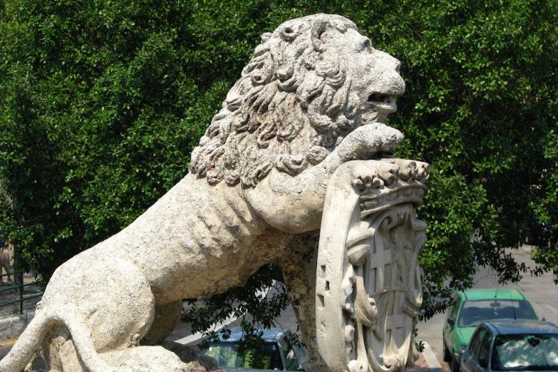 Венецианский лев на воротах Валлетты