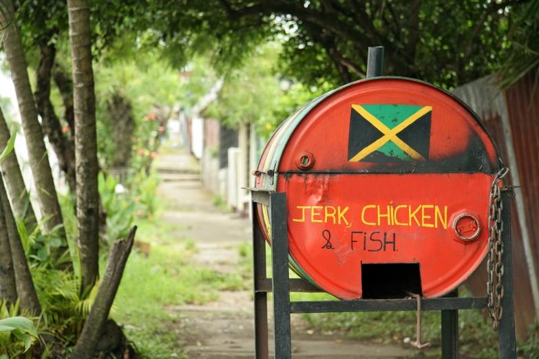 Традиционная бочка для приготовления «Джерк Чикен»