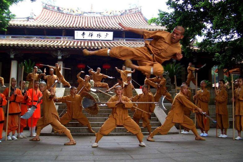 Монахи в Шаолине
