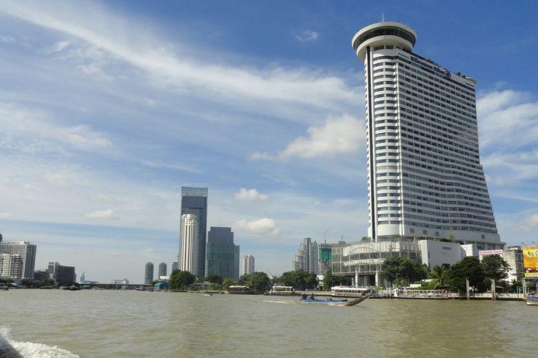 Река Чао Прайя и отель Хилтон