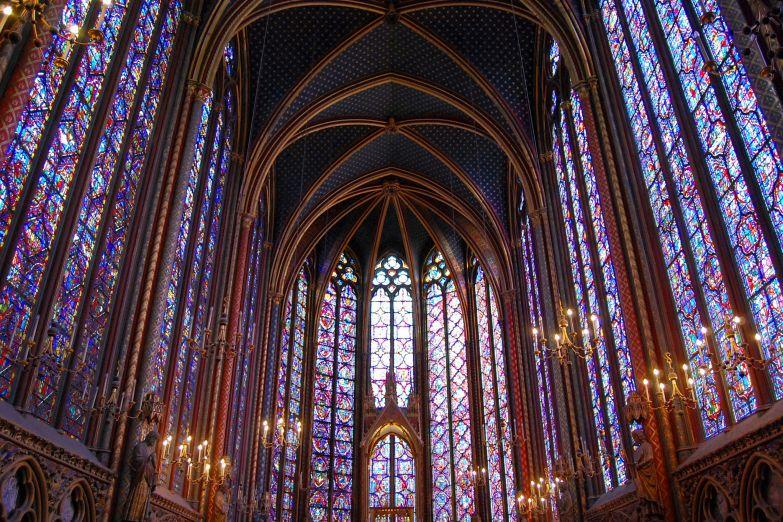 Интерьер церкви Сент-Шапель