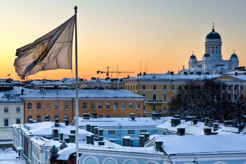 Вид сверху на зимний Хельсинки