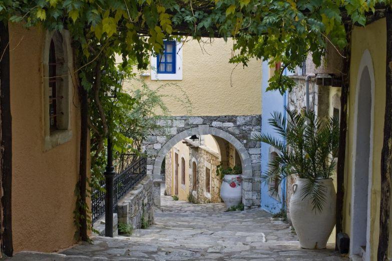 Критская улица
