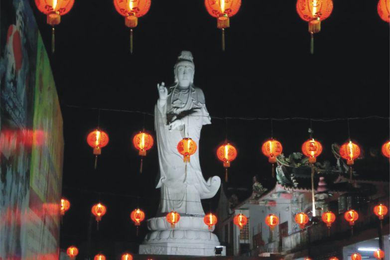 Ночное освещение храма Гуань Инь